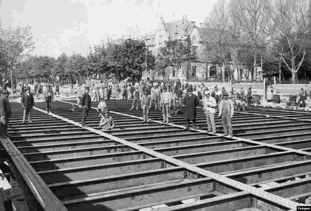 1893: A heavy-duty roof being constructed for the Dosza Gyorgy Road subway station. Budapest's Metro is the world's second-oldest after the London Underground.