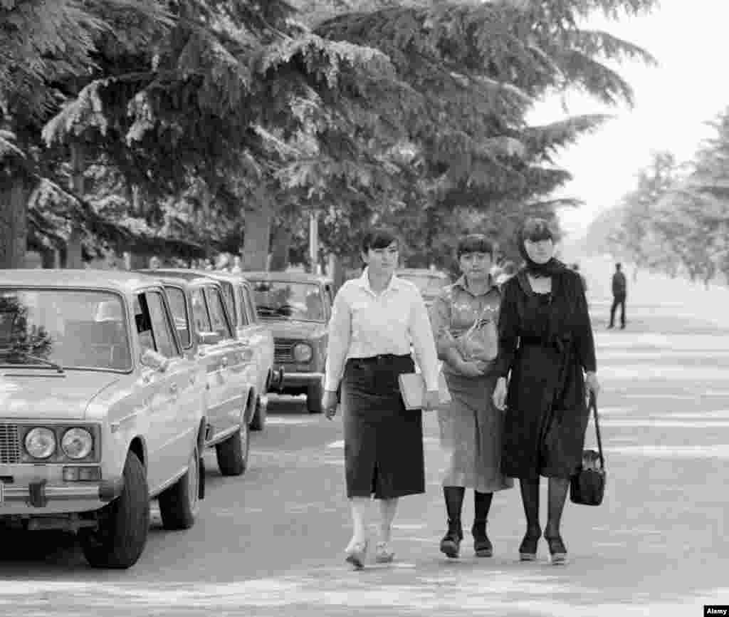 Young women on the streets of Tskhinvali, the capital of South Ossetia, in 1983.  During the communist era, South Ossetia was an autonomous oblast within Soviet Georgia.